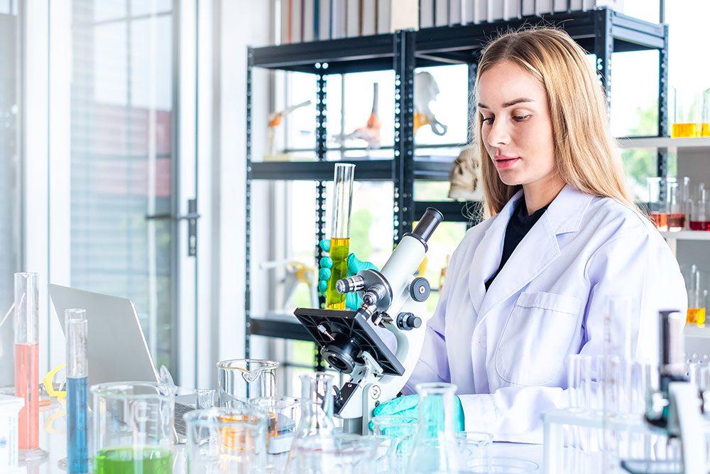 España líder en número de ensayos clínicos frente la Covid
