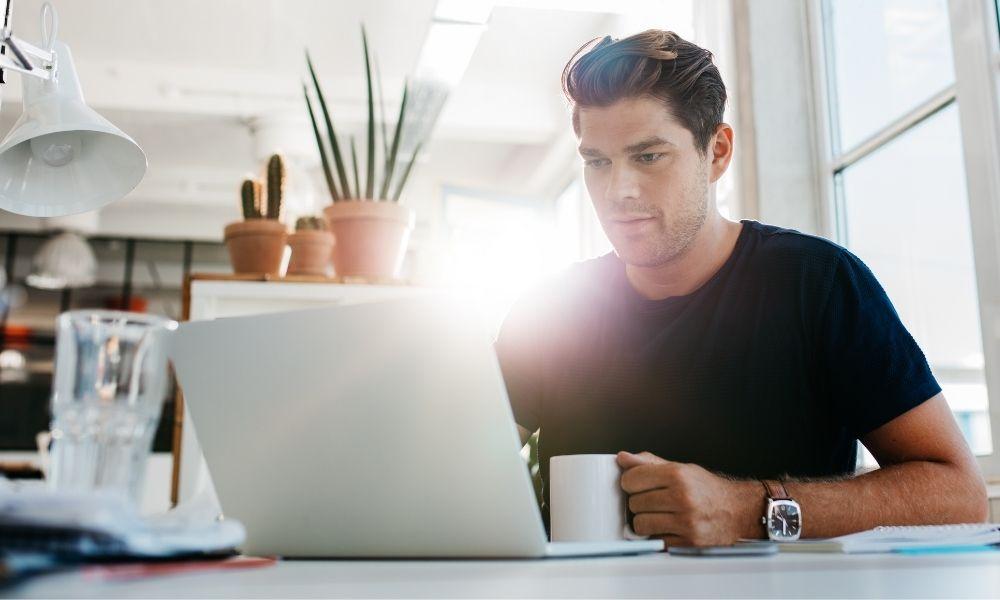 Consejos para no perderte buscando información fiable en internet sobre el cáncer